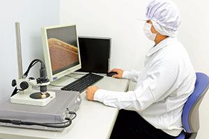 マイクロスコープによる抜き取り検査